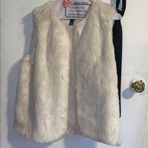Ivory go Fur Vest